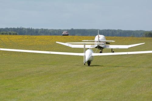 Glider during an aerotow